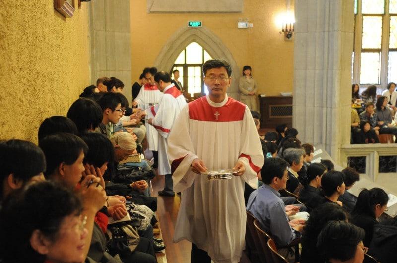dpa42307768_chinesische_christen_china_messe_kirche