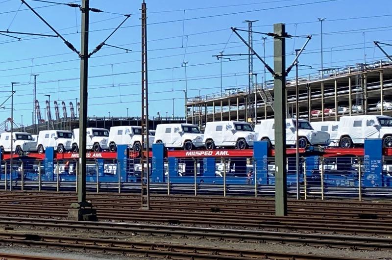 KOPP_Autoexport_Mercedes_G_Modell_Hafen_Wirtschaft_Aussenhandel