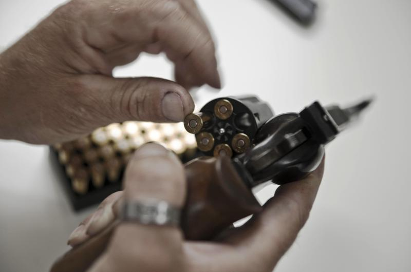 dpa108782171_munition_revolver_schusswaffe