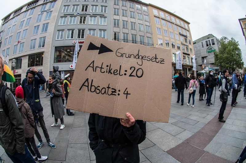 dpa_132133448_demo_gegen_corona_massnahmen_muenchen_widerstand