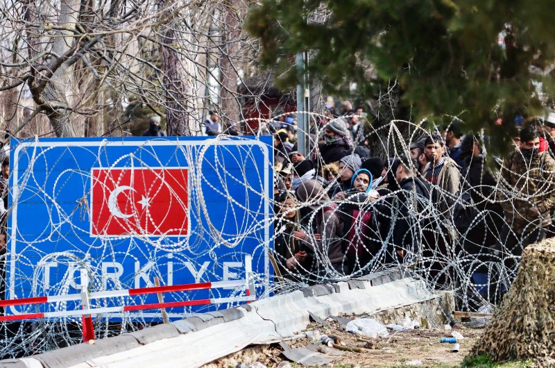 dpa132492702_migranten_grenze_griechenland_tuerkei_eu_aussengrenze