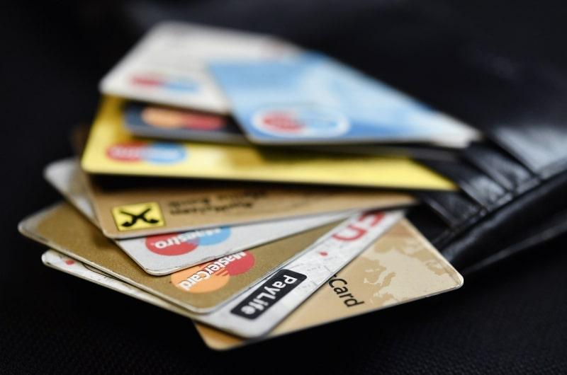 dpa90163144_bargeldabschaffung_bargeldlos_bezahlen_kreditkarten_beldboerse