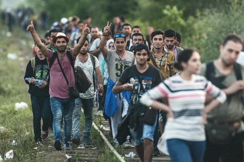 dpa61051074_migrantreck_ungarn_2015_fluechtlinge