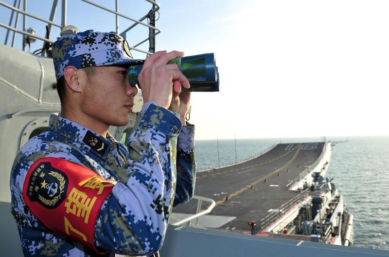dpa44412713_china_flugzeutraeger_soldat_militaer