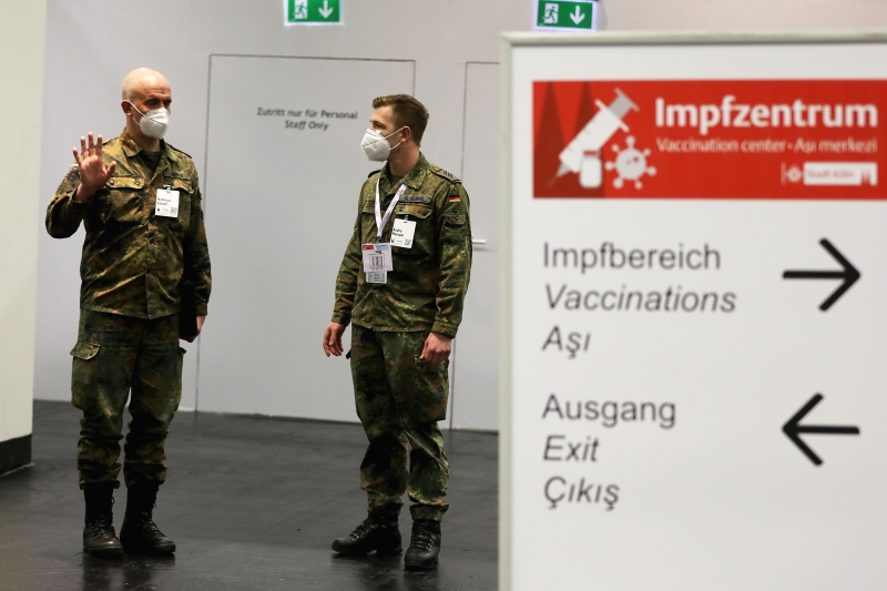 dpa231528933_bundeswehr_impfung_corona_impfzentren
