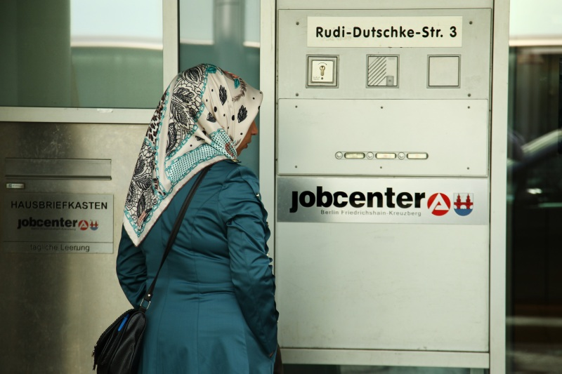 dpa43393949_migranten_arbeistagentur_arbeistlos