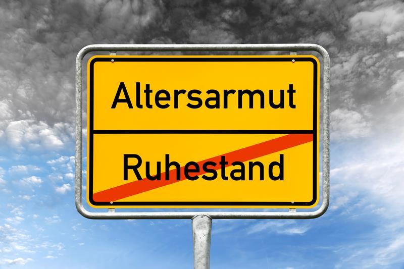 dpa123243457_schild_altersarmut_ruhestand
